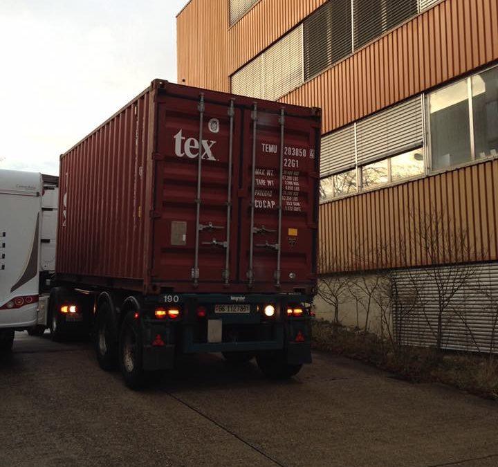 Der Container ist unterwegs nach Dominica